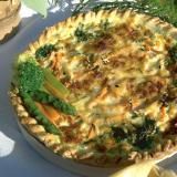 Vegetable quiche in a wooden tart mold