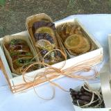 Mini cakes in a wooden box